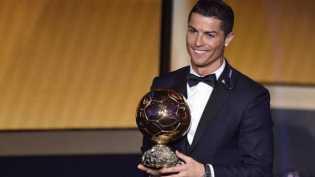 CR7 Dapat Penghargaan Pemain Terbaik Eropa dan Ballon d'Or 2016