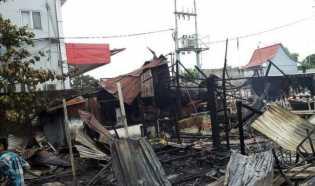 Helikopter Bantu Padamkan Kebakaran Kantin di Jalan Sudirman