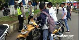 Siswa Dilarang Bawa Kendaraan ke Sekolah, Ini Respon Orang Tua, Lucu Beragam