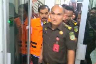 Mantan Kadis PU Sudah Pakai Rompi Tahanan Orange, Mantan Kepala Bapedda Tunggu Giliran