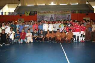 Walikota Firdaus Buka Turnamen Futsal 5 Negara Serumpun di UIR