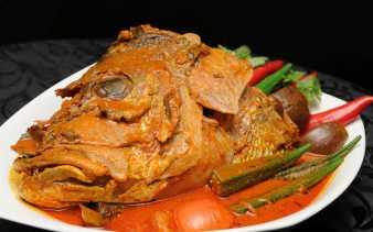 Waspadai Makan Kepala Ikan Mulai Sekarang, Ini Alasannya !