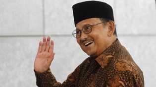 Jokowi Kirim Dokter Istana Pantau Kondisi Habibie di Munchen