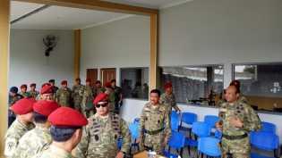 3 Perwira Tinggi TNI Dapatkan Brevet Kehormatan Manusia Katak