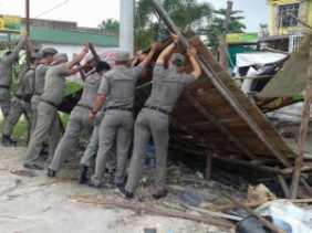 Tim Yustitusi Kampar Tertibkan Pedagang dan Bangunan
