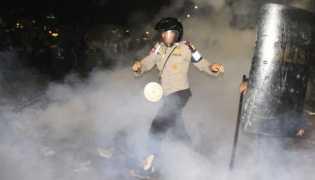 Tiga Polisi dan Empat Pendemo Terluka Dalam Aksi 4 November