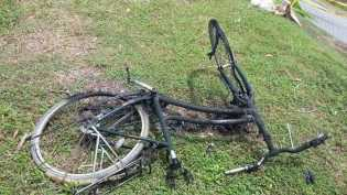 Bersepeda Bawa BBM Sambil Merokok, Pria Ini Hangus Terbakar