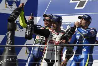 Rossi dan Lorenzo Berebut Posisi Runner Up MotoGP, Ini Poin Mereka