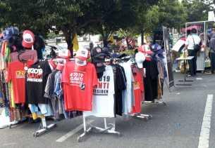 Kaos #2019GantiPresiden Dijual Di CFD Pekanbaru