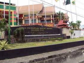 Gedung DPRD Riau Dijaga Ketat Jelang Aksi Bela Rakyat 121