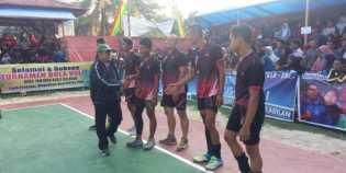 Resmikan Turnamen Voli, KH. Rusli Effendi Berpesan Junjung Tinggi Sportifitas