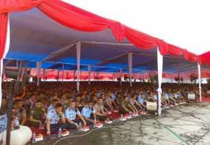 Panglima TNI dan Kapolri Salat Jumat di Halaman Kantor Gubernur Riau, Ratusan Kran Air untuk Berwudh