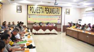 Polresta Pekanbaru dan Dinkes Gelar Sosialisasi Bahaya Difteri Ke Bhabinkamtibmas dan FKPM