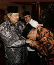 Gatot Nurmantyo Cium Tangan SBY, Ini Tafsir Politik Demokrat