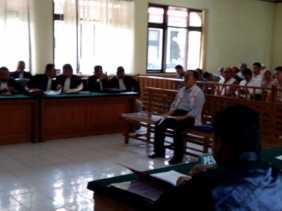 Hakim Tolak Eksepsi Mantan Bupati Bengkalis Herlian Saleh