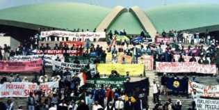 Reformasi 20 tahun lalu dan sejumlah langkah mundur demokrasi Indonesia