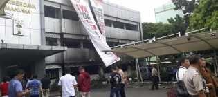 Polisi Duga Kebakaran di Polda Metro Jaya akibat Korsleting