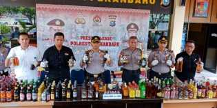 3.282 Botol Miras Diamankan dalam Operasi Miras di Pekanbaru