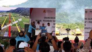 Tol Padang-Pekanbaru tak Terimbas Moratorium Proyek