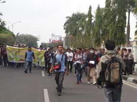 Minta Ungkap Aktor Intelektual Korupsi RTH, Ratusan Massa Kembali Demo Kejati