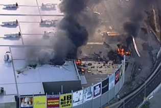 Pesawat Ringan Jatuh di Melbourne, Lima Orang Tewas