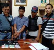 Diciduk saat Transaksi Sabu, Pengedar Narkoba di Kampar Nekat Tabrak Polisi