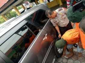 Waspada! Begini Salah Satu 'Trik Licik' Pencuri Modus Gembos Ban di Pekanbaru dalam Beraksi, Targetn