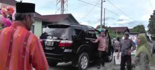 Dicegat Warga, Calon Wakil Walikota H Ayat Cahyadi SSi Melakukan Ini