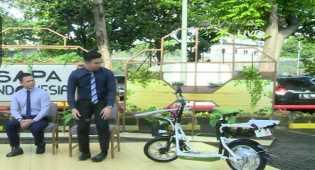 Mahasiswa Politeknik Padang Membuat Sepeda Bertenaga Surya