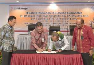 Bank Riau Kepri Teken MOU dengan Perbarindo Terkait APEX BPR
