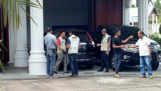 Di Hari Jum`at, KPK Geledah Rumah Dinas Bupati Bengkalis