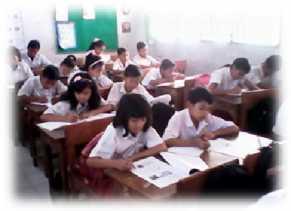 Tak Ada Kelas Murid SDN 28 Rambah Numpang Belajar di Kantor KNPI