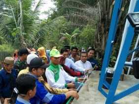 Ayat Cahyadi Resmikan Bantuan Sumber Air Bersih ke-16 LAZNas Chevron Rumbai