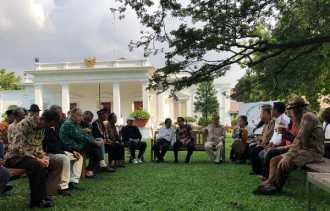 Bertemu Jokowi, Budayawan Sampaikan Kritik Kedangkalan Beragama