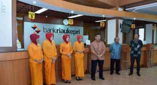 Dirut Bank Riau Kepri Kunjungi Sejumlah Cabang di Batam