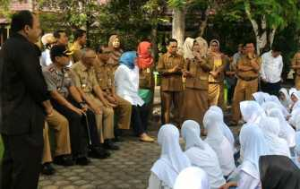 Gaji Macet 7 Bulan, Guru Honor SMA di Kuansing Curhat ke Gubri