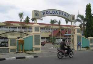 Tak Nafkahi Anak Istri, Oknum Perwira di Polda Riau Dilaporkan Istrinya