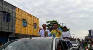 Bupati dan Masyarakat Siak Arak Piala Adipura Buwana 2016