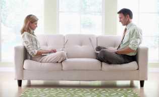 4 Faktor Ini Perlu Diperhatikan Pasangan, Agar Sosmed Tidak Merusak Rumah Tangga Anda