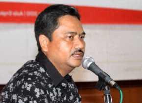 Bela Pejabatnya, Sekda Riau: Beberapa Berjuang di Pusat