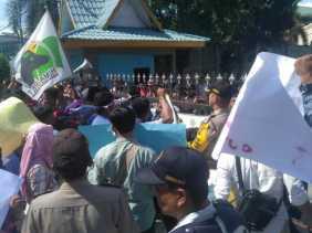 Unjuk Rasa, Ini 5 Tuntutan KNCI Pada DPRD Riau