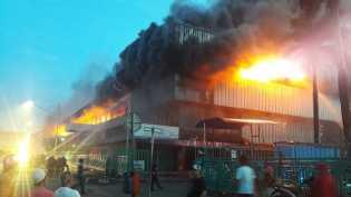 500 Kios di Pasar Senen Jakarta Hangus Terbakar