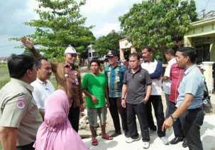 Ayat Cahyadi Tinjau Lokasi Rawan Banjir di Kecamatan Tampan