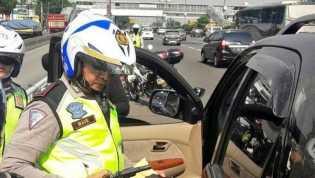 Todongkan Airsoft Gun di Tol, Pengemudi 'Koboi' Ditangkap Polisi