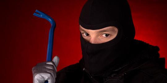 Polsek Tenayan Tangkap Pencuri Toko