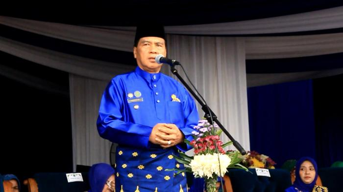 Achmad Serahkan Aset dari Uang Pribadi 1,2 Miliar dan Siapkan Karpet Merah Untuk Asri Auzar