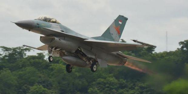 Pesawat F-16 yang Tergelincir di Lanud Pekanbaru Masih Bisa Diterbangkan Lagi