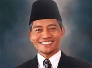 Tak Santunnya Politik, Ketika Ayat 'Harus' Mendukung Syamsuar