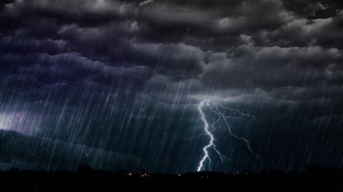 BMKG Pekanbaru Imbau Masyarakat Waspada Hujan Deras dan Petir