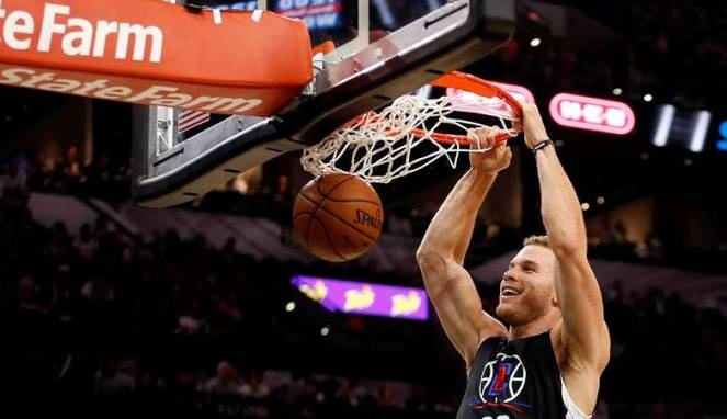Clippers Jungkalkan Lakers